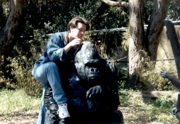 Steve with gorilla statue